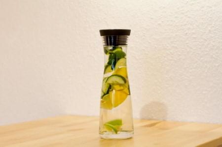 Meleg citromos víz